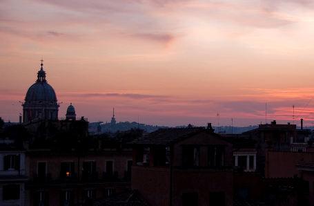I tetti di Roma all'alba