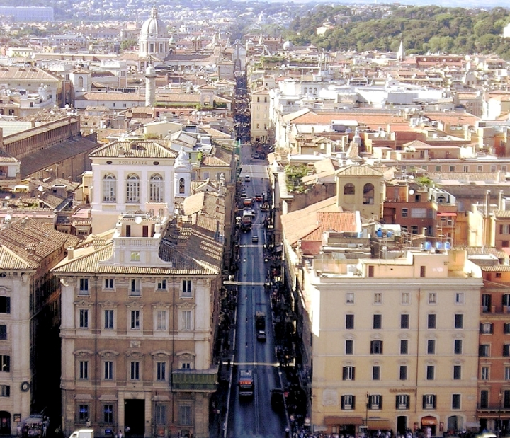 Via Lata Corso Di Roma
